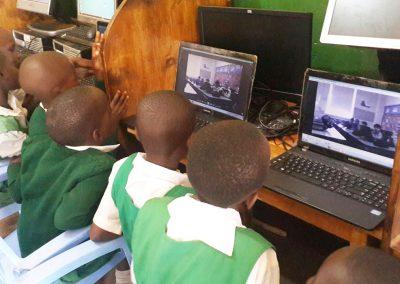 girls-onlinec-omputer-coding-img-4